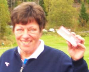 Nye baller ble det også på Marit Bjørnstad, som fikk tredjeplassen med flagget plantet på hull 16.