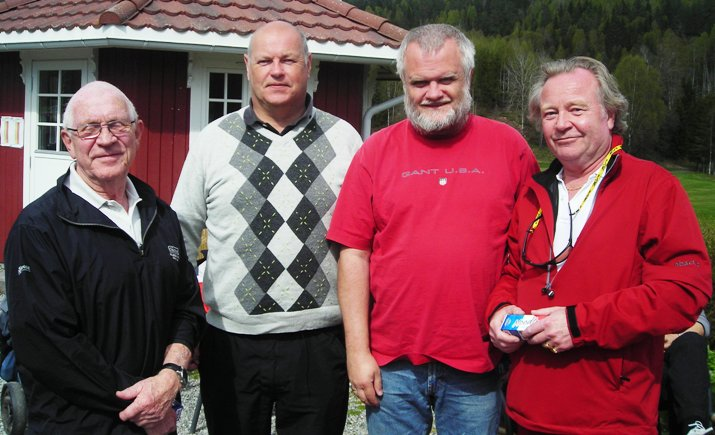 Laget som ble nummer 4, f.v.: Steinar Berg, Lars Sandberg, Bjørn Erik Bugge, Roald Eilertsen.