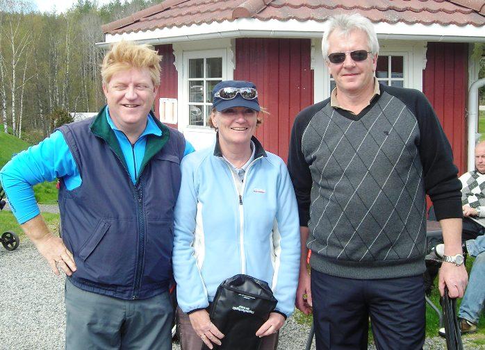 Laget som ble nummer 3, f.v.: Jan Røisi, Hanne Hoel Tofteberg, Kristian Bjerve. Randi Pedersen var ikke til stede da bildet ble tatt.