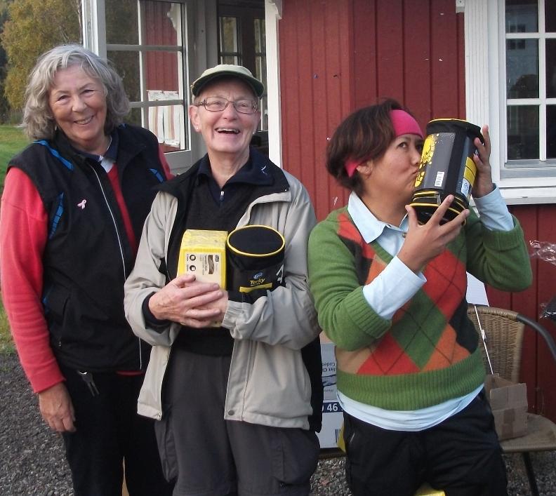 Nr. 2 Leona Pilares (t.h.), Eivor Arntsen og Aud Jørgensen (t.v.) + Maren (?) med 63 slag