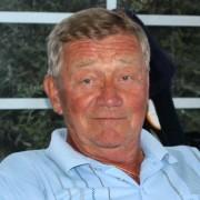 Jan Sørhus håvet inn premiesjekker i dag, med både en birdie og andreplass i B-klassen.