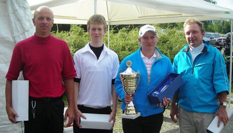Premiegjengen. Fra venstre: Per Frode Haugen (klubbmester herrer), Kristoffer Olstad (nr. 2 herrer), Stine Torgersen (beste totalscore og klubbmester damer), Morten Trehjørningen (nr. 3 herrer).